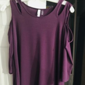 NWT Cold shoulder top